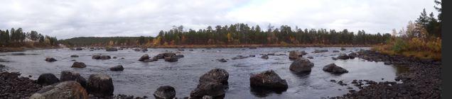 Finnland: Inari - Fluss (© Tarja Prüss)