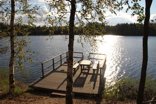 Rastplatz an einem See in Finnland ©Foto: Tarja Prüss