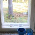 Frühstück am Fenster mit Blick in den Wald. Finnland ©Tarja Prüss
