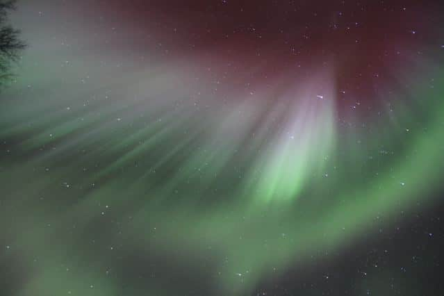 Polarlichter in Finnland in rot und grün © Tarja Prüss | Tarjas Blog - Alles über Finnland