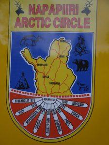 Artic Circle Schild am Polarkreis ©Foto: Tarja Prüss | Tarjas Blog - Alles über Finnland