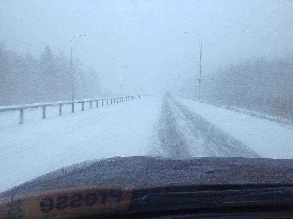 Winterliche Straßenverhältnisse in Finnland ©Foto: Tarja Prüss | Tarjas Blog - Alles über Finnland