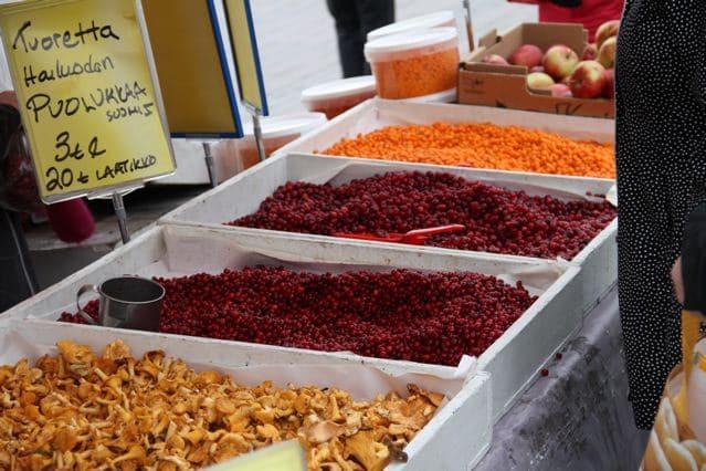 Oulu: Beeren und Pilze auf dem Markt von Oulu (copyright: Tarja Prüss)