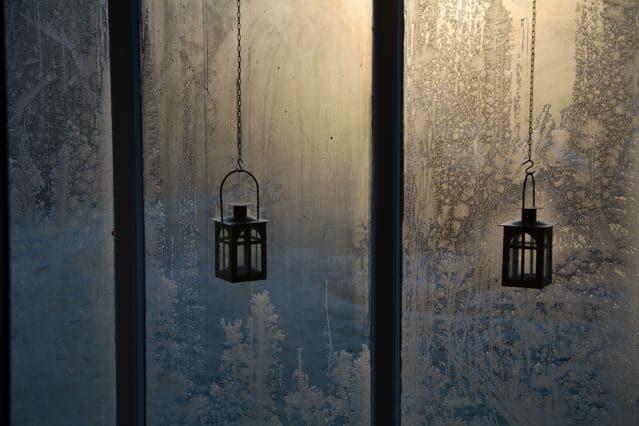 Kaamos - finnische Dunkelheit - Eisblumen am Fenster ©Foto: Tarja Prüss | Alles über Finnland