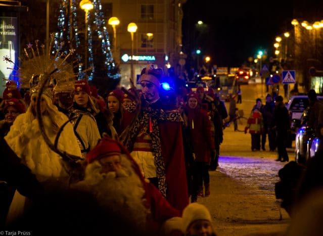 Der Weihnachtsmann auf dem Schlitten - auf Besuch in Oulu Finnland (copyright: Tarja Prüss)