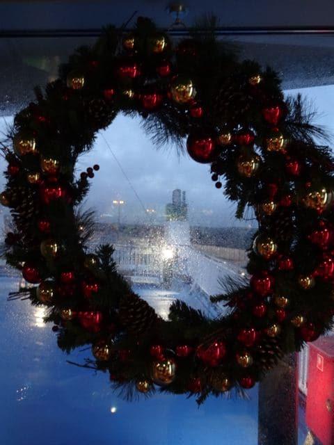 Driving home for christmas: Adventskranz auf Ostsee Schiff ©Foto: Tarja Prüss | Tarjas Blog