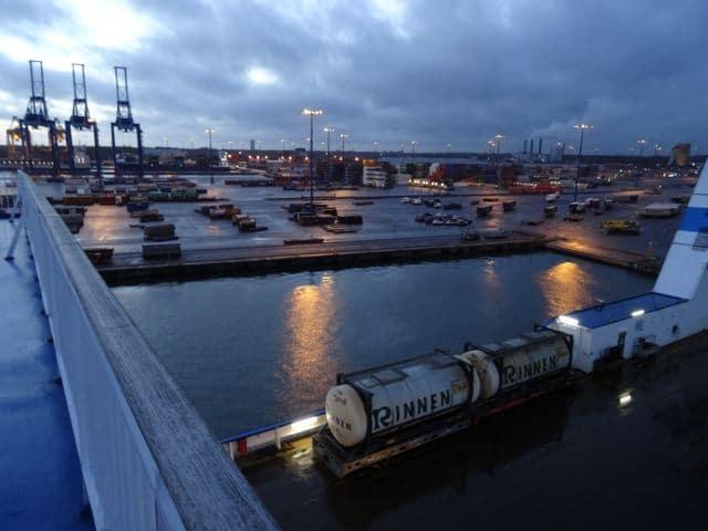 Driving home for Christmas: Blick auf den Hafen von Helsinki ©Foto: Tarja Prüss | Tarjas Blog