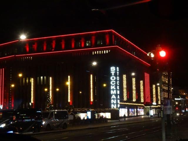 Helsinki zur Weihnachtszeit: Kaufhaus Stockmann ©Tarja Prüss   Tarjas Blog - Alles über Finnland