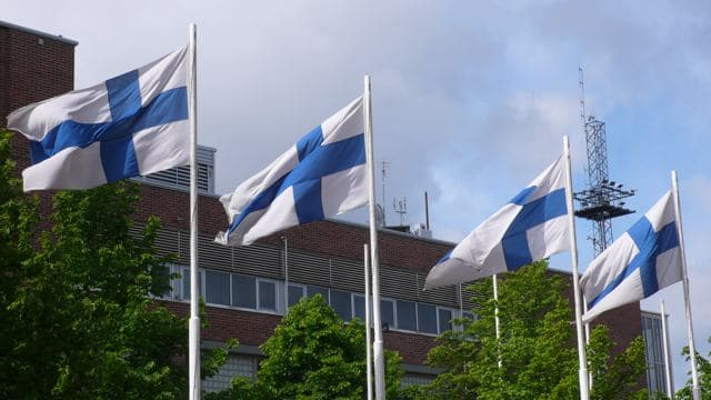 Mittsommer in Helsinki: Flaggentag (copyright: Tarja Prüss)