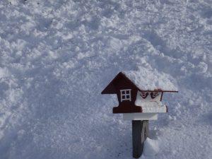 Vogelhäuschen im Schnee in Lappland - Finnland © Tarja Prüss