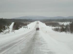 Winterliche Straße in Lappland © Tarja Prüss | Tarjas Blog - Alles über Finnland