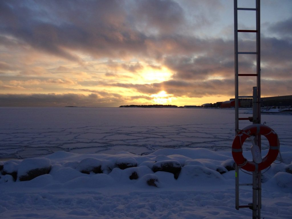 Helsinki im Winter: Sunset