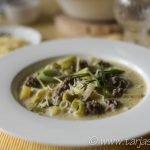Teller mit Hackfleisch Lauch Suppe ©Tarja Prüss | Tarjas Blog - Reiseblog Finnland