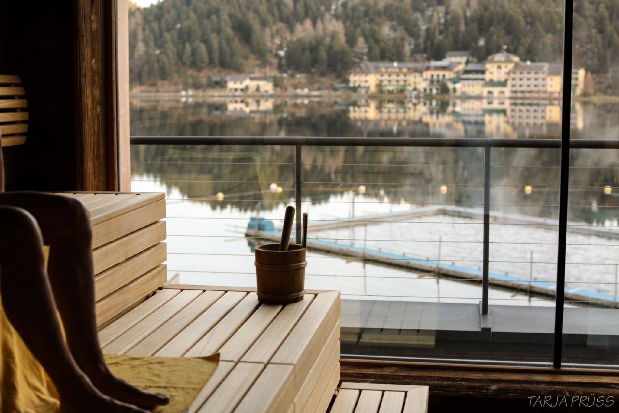 Sauna mit Blick auf See. Turracher Höhe. Österreich ©Tarja Prüss   Tarjas Blog - Reiseblog Finnland