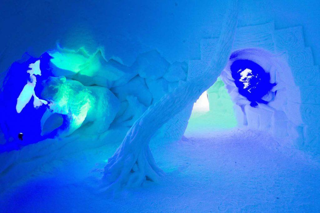 Gänge im Schneehotel Snow Village Lainio Finnland ©Foto: Tarja Prüss | Tarjas Blog