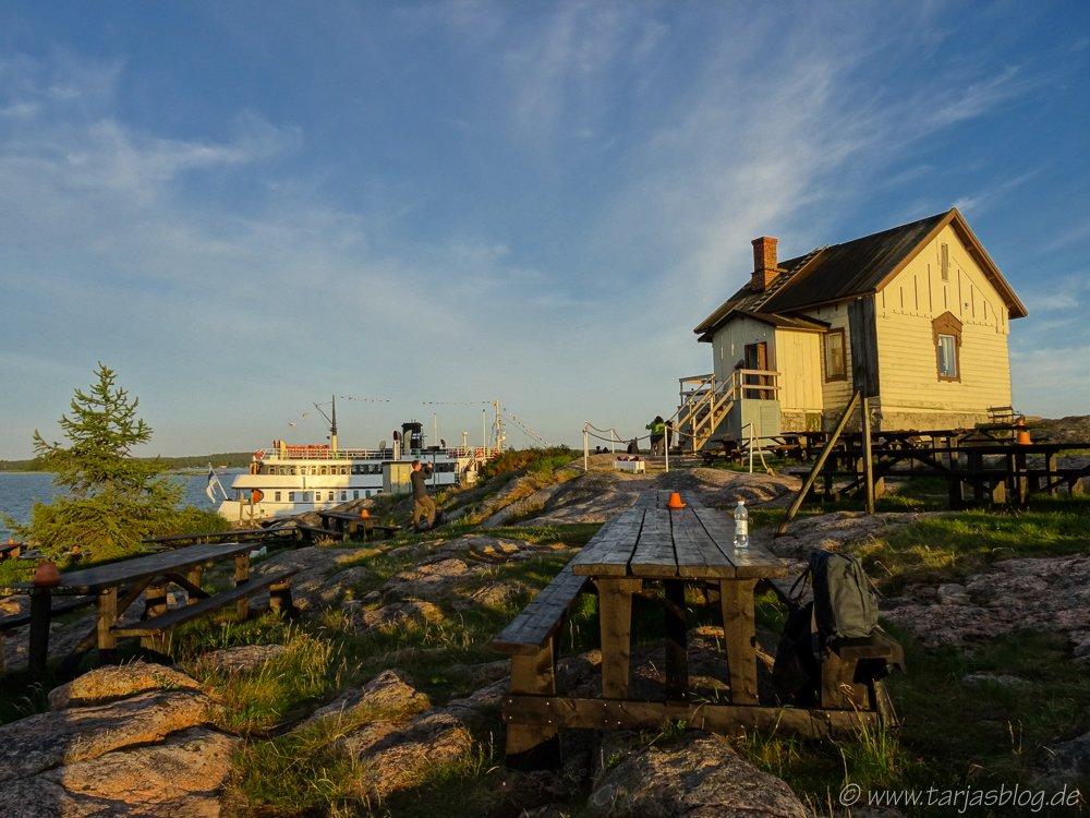 Insel Loistokari und Schiff S/S Ukkopekka - Turku Finnland. Copyright Foto: Tarja Prüss