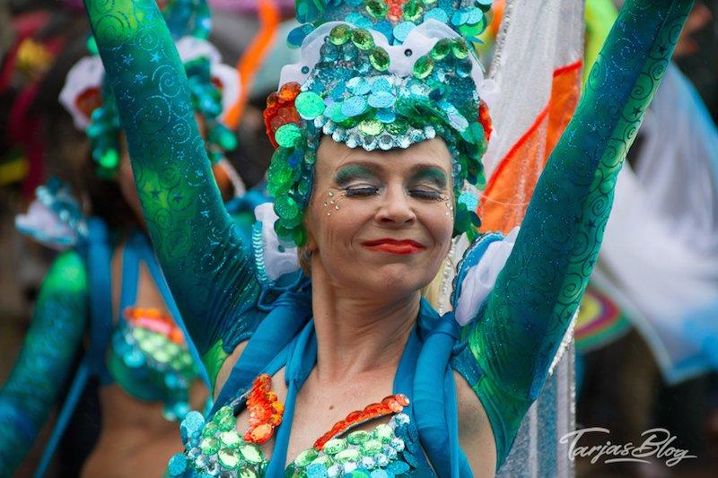 Samba in Helsinki - Tänzerin in Türkis ©Foto: Tarja Prüss | Tarjas Blog - Finnland Reiseblog