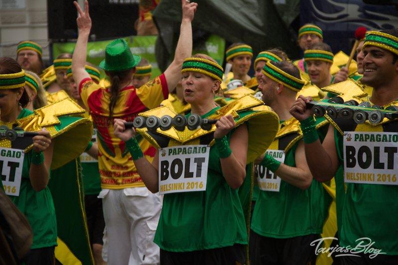 Samba Umzug in Helsinki Finnland - Impressionen der Tänzerinnen ©Foto: Tarja Prüss | Tarjas Blog - Reiseblog Finnland