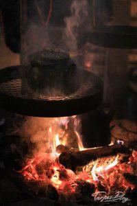 Kaffeekessel-ueber-dem-Feuer-lappland©TarjaPruess