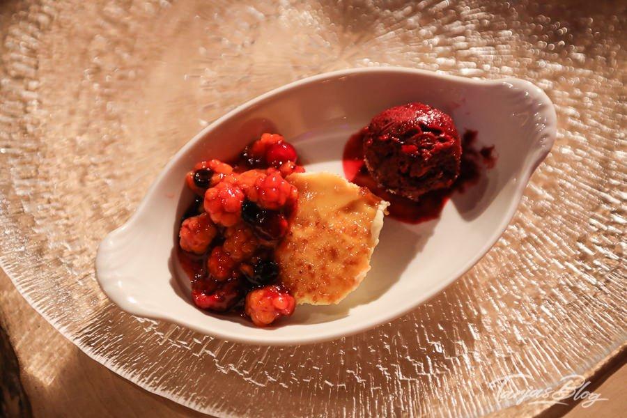 Beeren Dessert. Restaurant Sarakka in Ylläsjärvi Lappland Finnland ©Tarja Prüss   Tarjas Blog