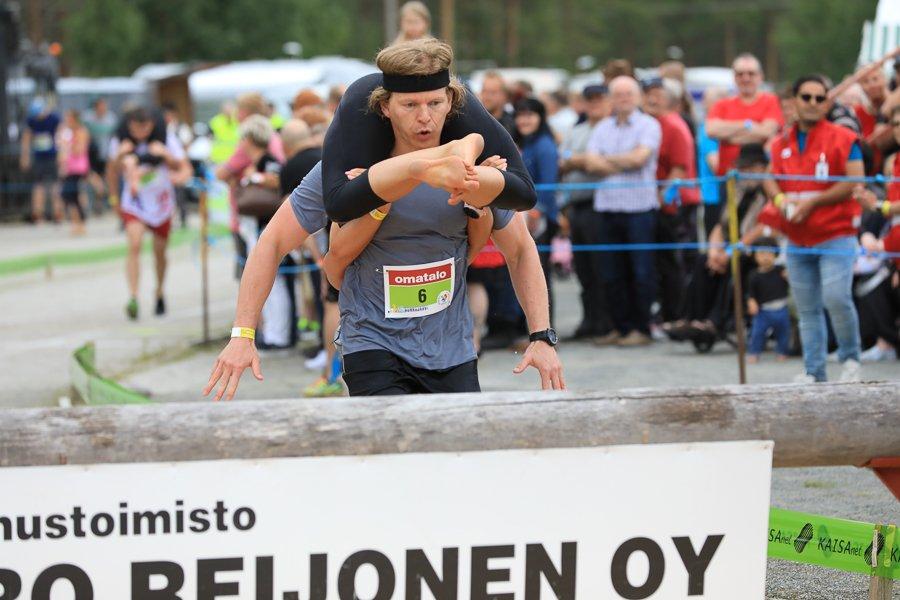 Frauentrage WM in Sonkajärvi Finnland ©Foto: Tarja Prüss | Tarjasblog - Reiseblog