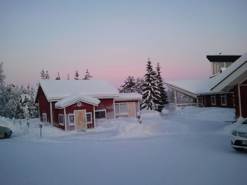 Enontekiö Lappland im Winter bei aufgehender Sonne und Schnee ©Foto: Tarja Prüss | Tarjas Blog - Reiseblog Finnland