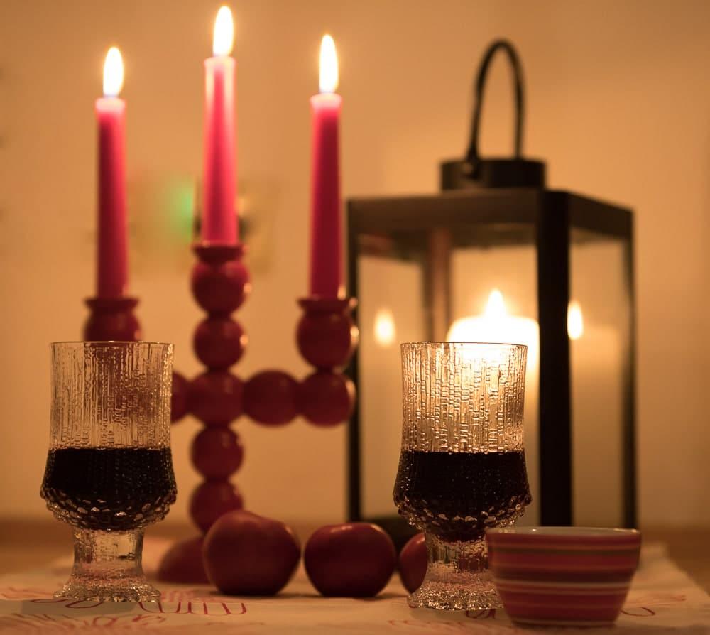 Glögi und Kerzen