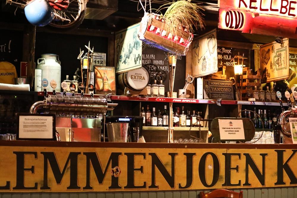 Theke einer Bar in Helsinki ©Foto: Tarja Prüss