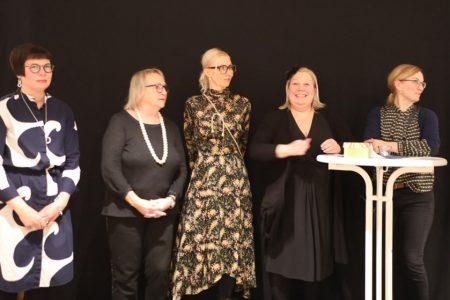 von links nach rechts: Anna Heino, Arja Decker, Mia Maljojoki, Tuija Komi, Anna Kiiskinen ©Tarja Prüss  Tarjas Blog - Reiseblog Finnland